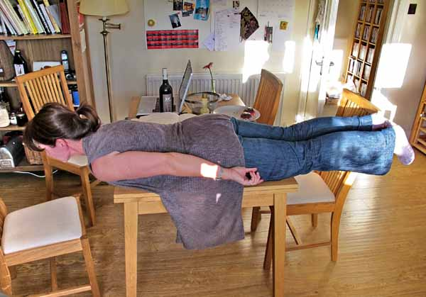 à plat ventre, or 'planking'